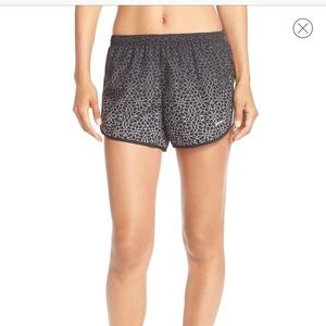 "Nike DriFIT ""Starglass Modern Tempo"" shorts M"